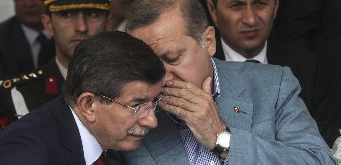'Davutoğlu resmen Erdoğan'a rakip oldu'