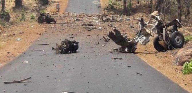 Hindistan'da polise saldırı: 16 ölü