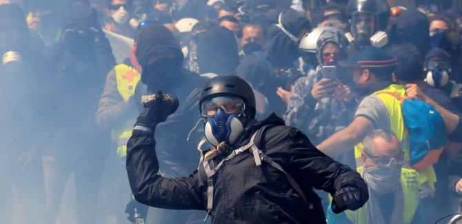 Sarı Yelekli, Siyah Bloklu 1 Mayıs: 200'den fazla gözaltı, onlarca yaralı