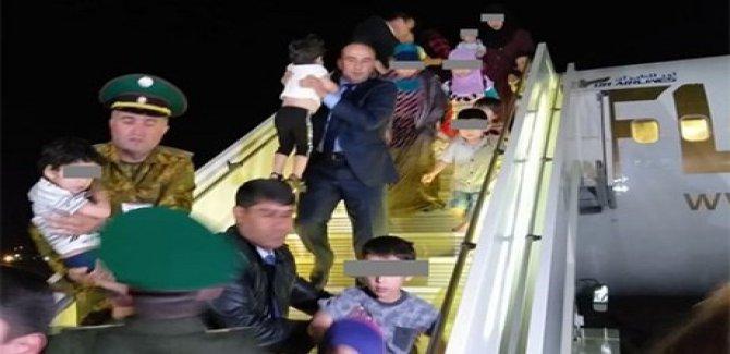 Tacikistan IŞİD mensubu ailelere ait 84 çocuğu teslim aldı