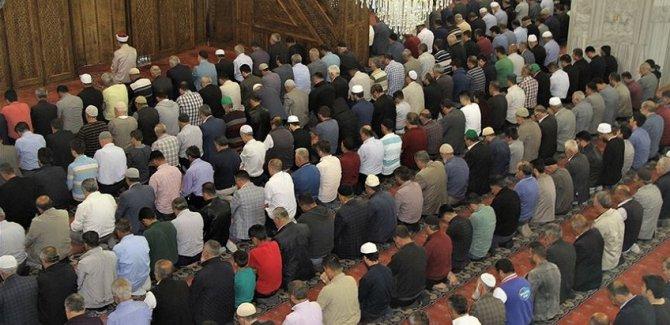 Müftü 'jet imamları' uyardı