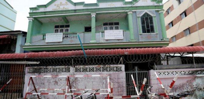 Myanmar'da Müslümanların ibadet için kullandığı konutlar kapatıldı