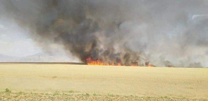 Kürt çiftçilere yönelik saldırılar sürüyor: Xurmatu'da da ekinler ateşe verildi