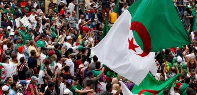 Cezayir'de cumhurbaşkanı adayı sorunu