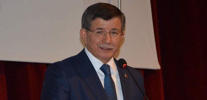 Davutoğlu'ndan Erdoğan'ın katıldığı toplu teravih namazıyla ilgili eleştiri