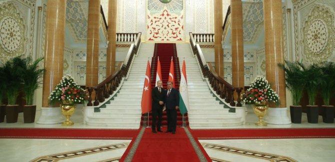 Erdoğan: Kudüs'te yeni oldu bittileri reddediyoruz