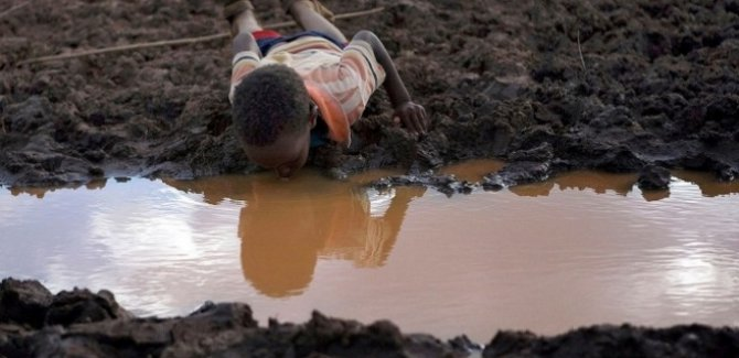 Dünya'da 2 milyardan fazla kişi temiz su içemiyor