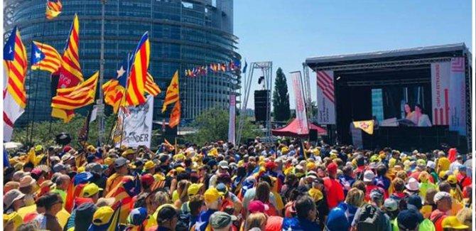 İspanya'da Katalanlara Baskı Artıyor