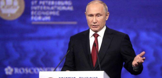 Putin:Libya'nın yıkılmasının sebebi NATO'dur