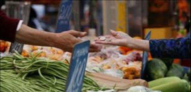 '4 kişilik bir ailenin yoksulluk sınırı 6 bin 818 lira'
