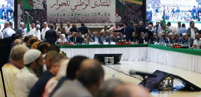 Cezayir'de taraflar çözüm arıyor