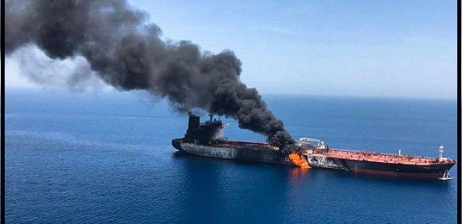 ABD Körfezde ki Gemilere Escort Verecek