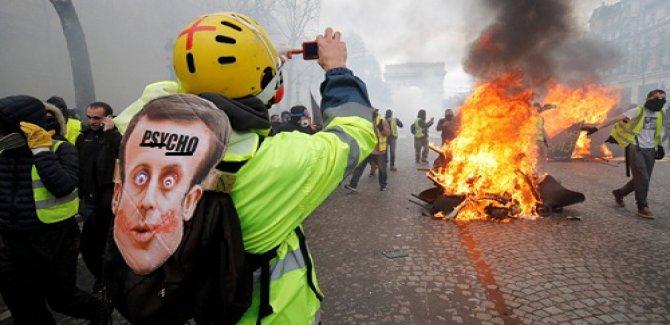 Sahtekar Fransa'ya Sarı Yeleklerin Tokadı