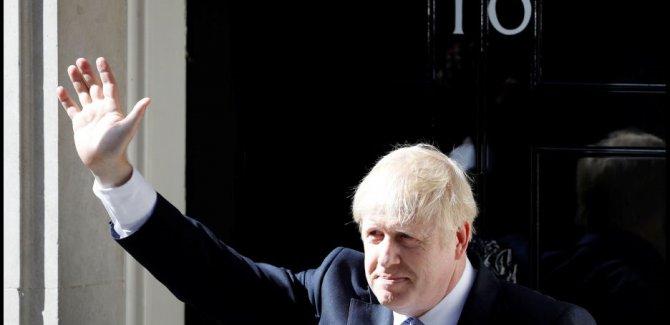 İngiltere'de Johnson sonrası istifalar peş peşe geldi