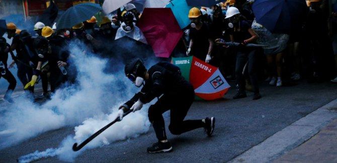 Hong Kong'da çatışmalar şiddetlendi