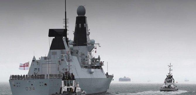 İngiltere'nin Yeni Savaş Gemisi Basra Körfezi'ne Ulaştı