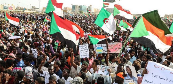 Sudan'da taraflardan hayati imza