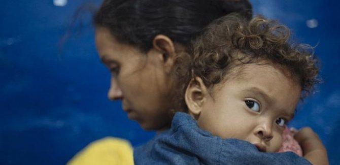24 bin Venezüelalı çocuk Kolombiya vatandaşı olacak