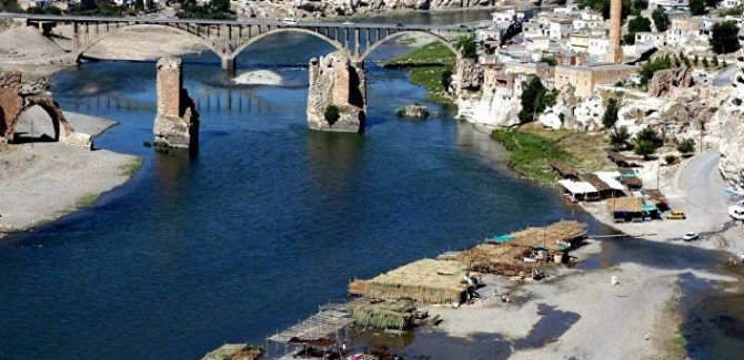 DSİ'den, Hasankeyf'i sular altında bırakacak olan Ilısu Barajı için uyarı