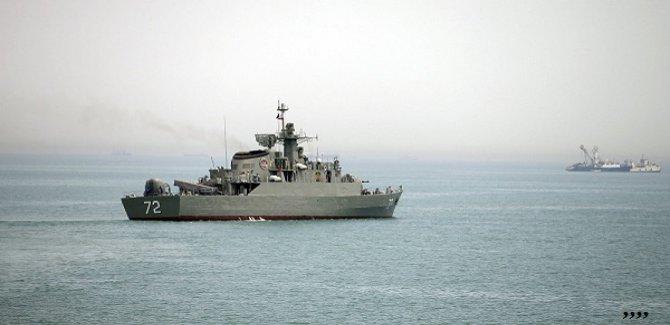 İran hücumbotları, İngiliz firkateynini uzaklaştırdı