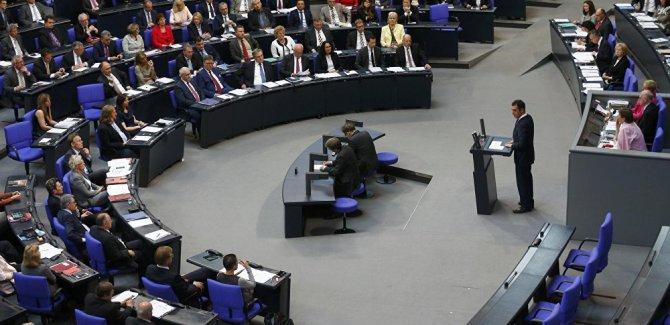 Almanya: Nükleer silahlarınızı da götürün