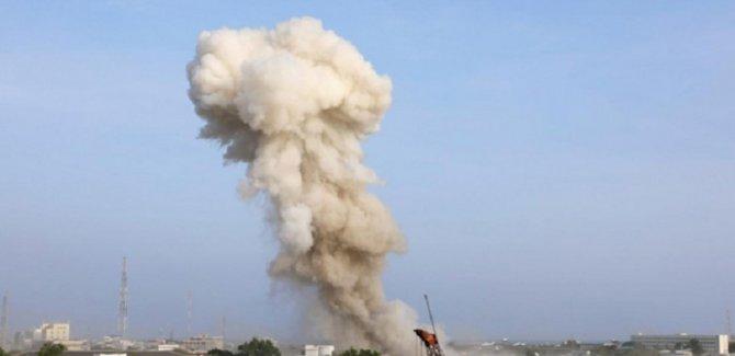 Bombalı araçlarla askeri üsse saldırı