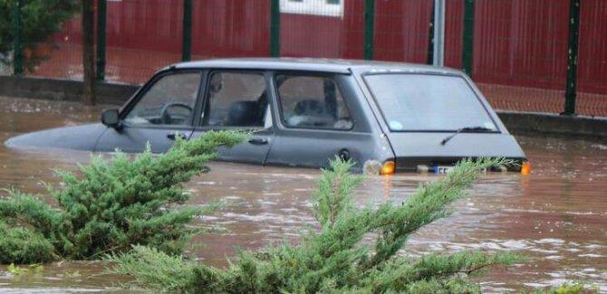 Samsun'da Sel Felaketi:2 Ölü