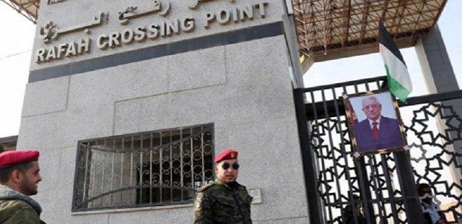 Darbeci Sisi Refah Sınır Kapısını Kapatıyor
