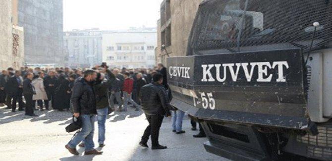 Van'da gösteri ve yürüyüşlere yasak
