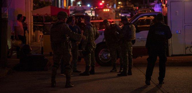 Meksika'da bara silah ve molotoflu saldırı: 23 ölü
