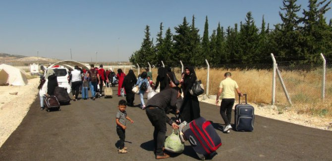Bayramı ülkelerinde geçiren 25 bin Suriyeli Türkiye'ye geri döndü