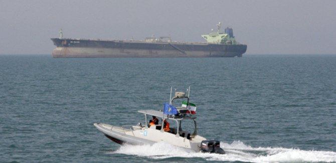 İran Hürmüz Boğazı yakınlarında bir tankere daha el koydu