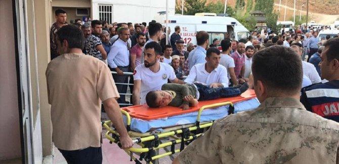 Bitlis'te facia; minibüs şarampole devrildi 10 ölü, 7 yaralı