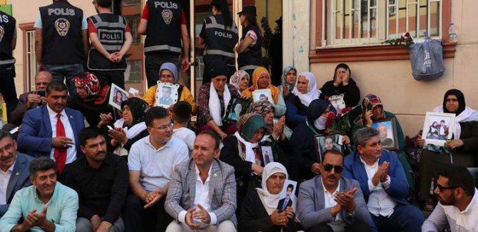 Diyarbakır'daki ailelerden HDP hakkında suç duyurusu