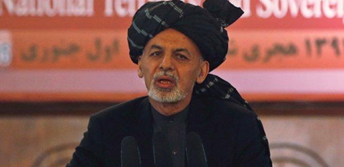 Afganistan'da Cumhurbaşkanı Gani'nin mitingine bombalı saldırı!