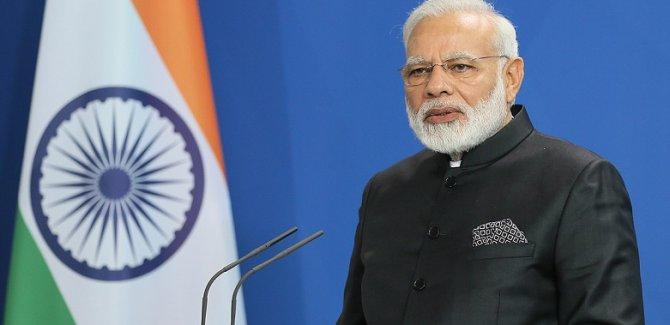 Pakistan'dan Hindistan Başbakanı'na uçuş engeli