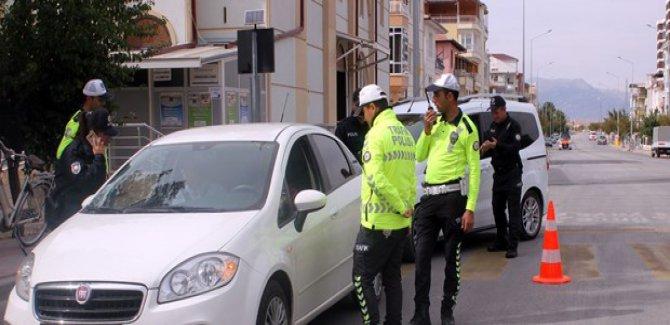 5 bin 63 sürücüye sigara cezası
