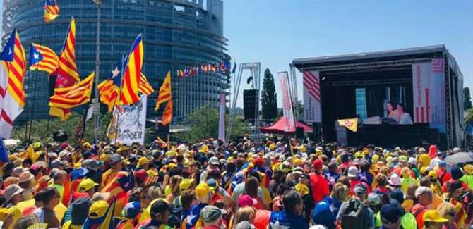 İspanya'dan Katalonya'ya Engel