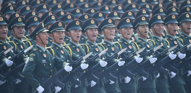 Çin kuruluşunun 70'inci yılını kutluyor