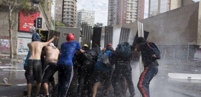 Şili'de zam protestoları bilançosu: 18 ölü