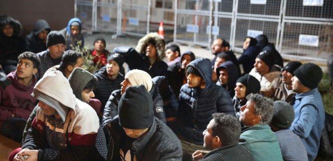 Yunan Barbarlığı, Mülteciler Darp edilip yollandı