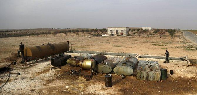 Trump, Suriye'deki petrol sahaları için askeri operasyonlara onay verdi