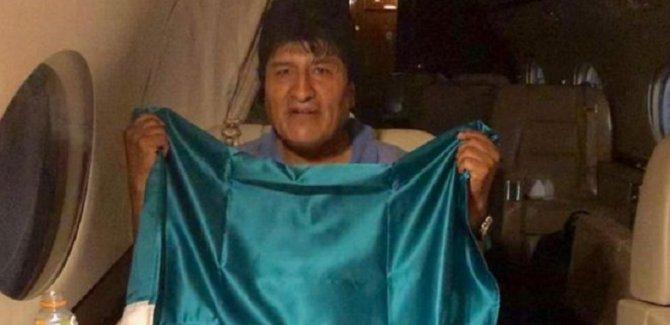 Morales Meksika'ya iltica etti