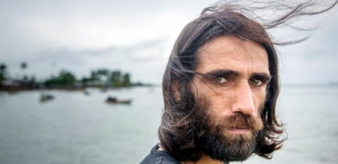 Avustralya'nın adalara kapatıp zulmettiği göçmenlerin sesi Kürt yazar Bocani serbest bırakıldı