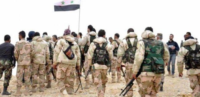 Suriye Ordusu Türkiye Sınırında