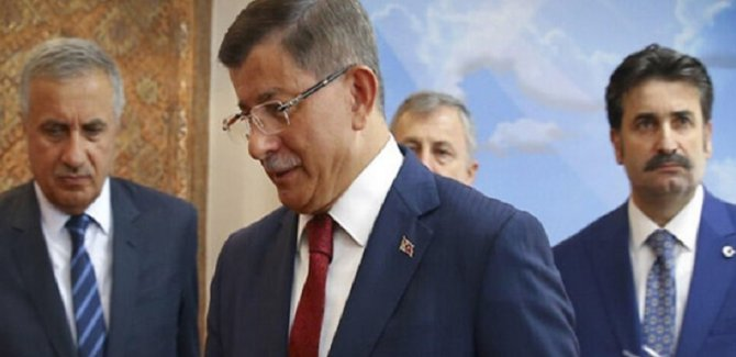 Davutoğlu'ndan yeni parti için son rötuşlar