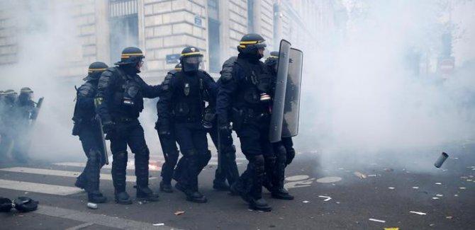Fransa'yı Genel Grev Sarstı