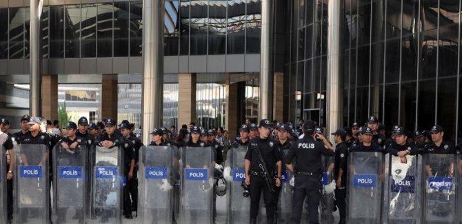 Üç HDP'li Belediyeye Kayyum Atandı