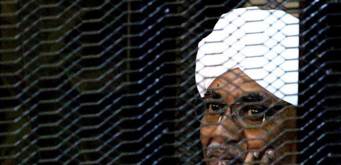 Ömer el-Beşir'e iki yıl hapis cezası