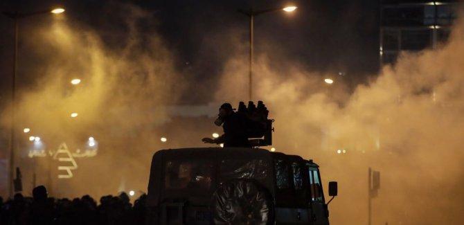 Lübnan'da Sokaklar Karıştı